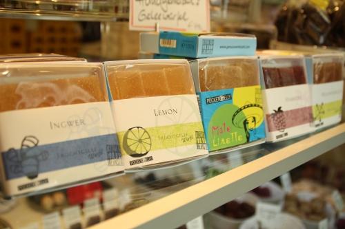 Im Sommer gibt's auch immer mal ein ausgewähltes Produkt ohne Schokolade - wie diese Gelee-Pralinen.