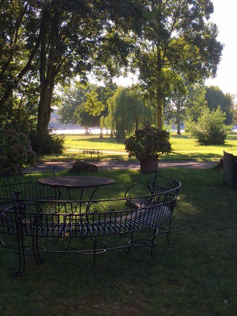...mit einem wunderschönen Ausflug zur Wiesbadener Maaraue. Siehst Du, wie heiß es auf dem Bild ist?